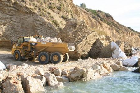 הרס חוף אפולוניה - צילום דרור עזרא